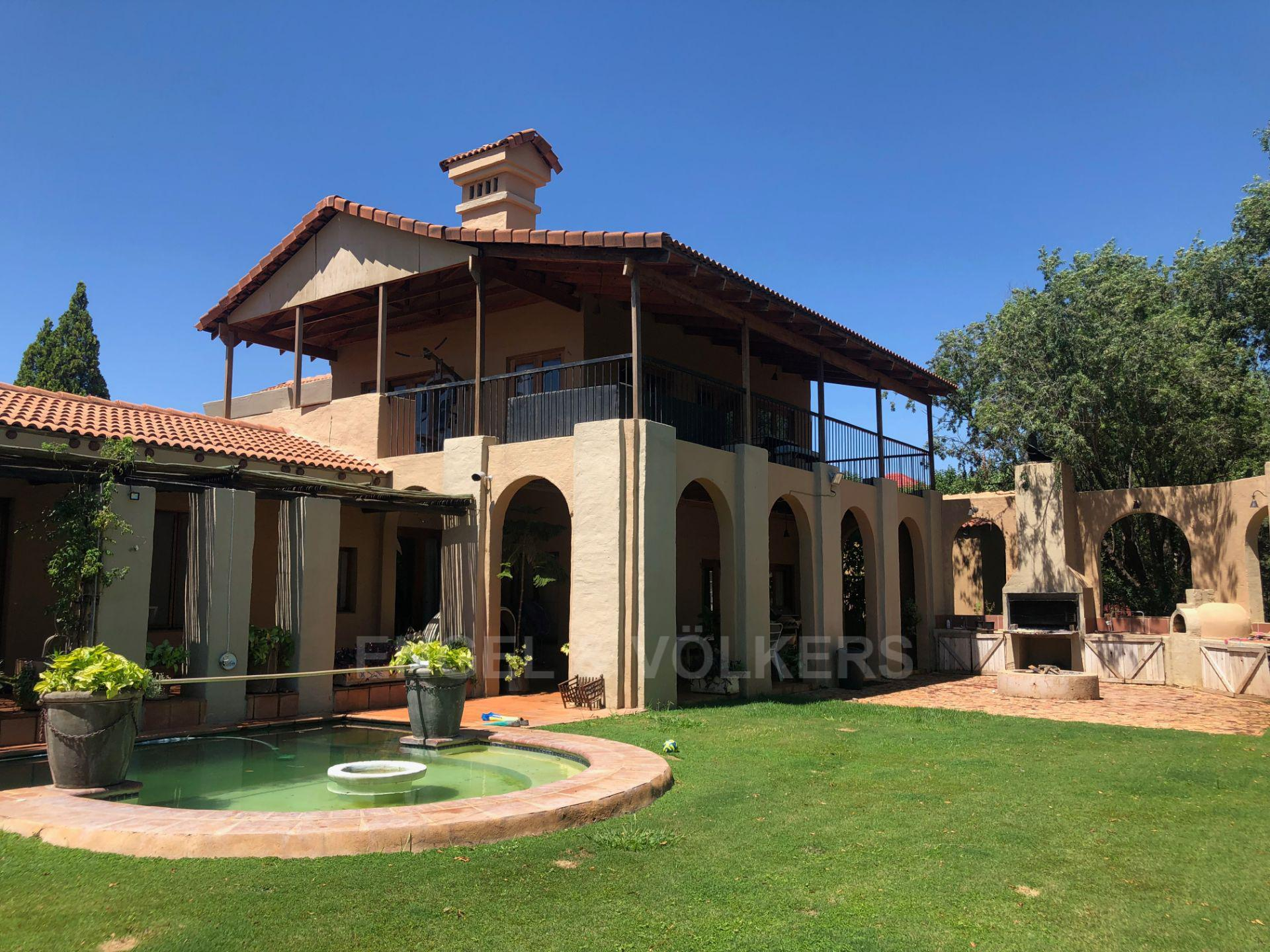 House in Magaliesview Estate - swimming pool