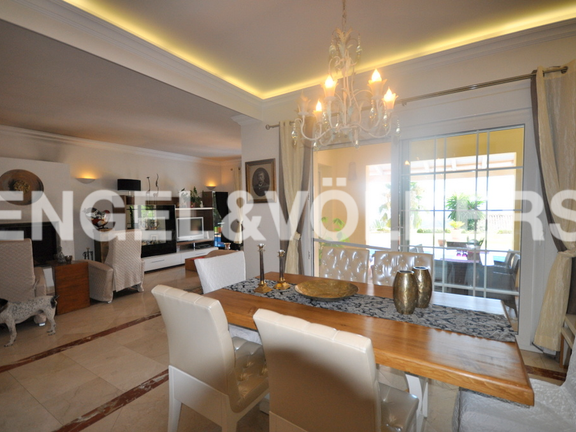 House in Golden Mile - Living-Dining Room
