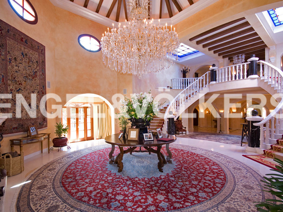 House in Beach Side Golden Mile - Entrance Hall
