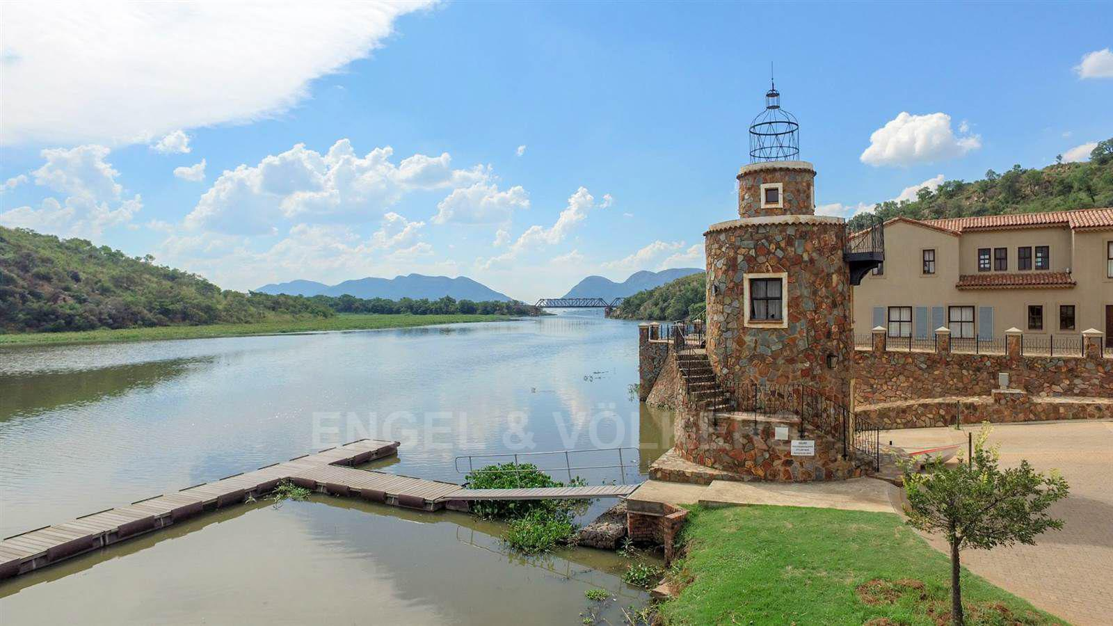 Land in Ville D' Afrique - View to the dam
