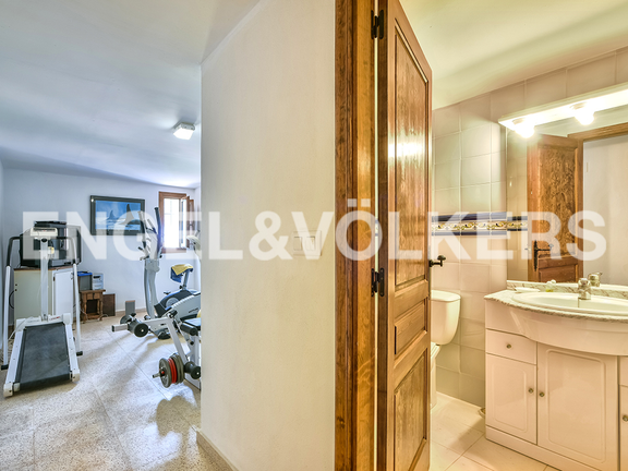 House in Calpe - Gym and Bathroom