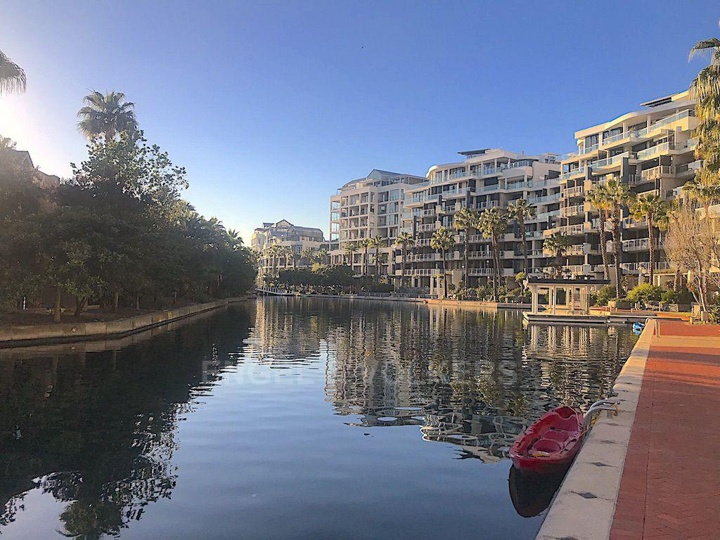 Apartment in Waterfront