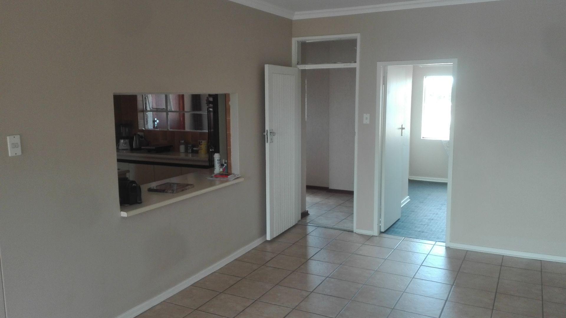 Apartment in Central - Open plan kitchen