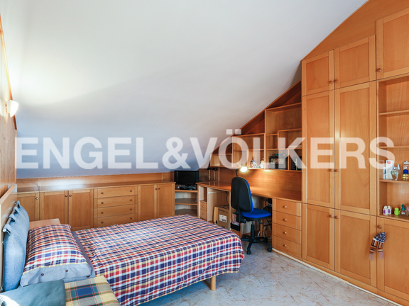 House in Cullera - Bedroom with sloping ceilings