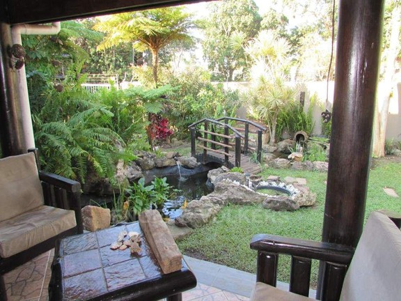 House in Margate - 023Undercover patio.JPG