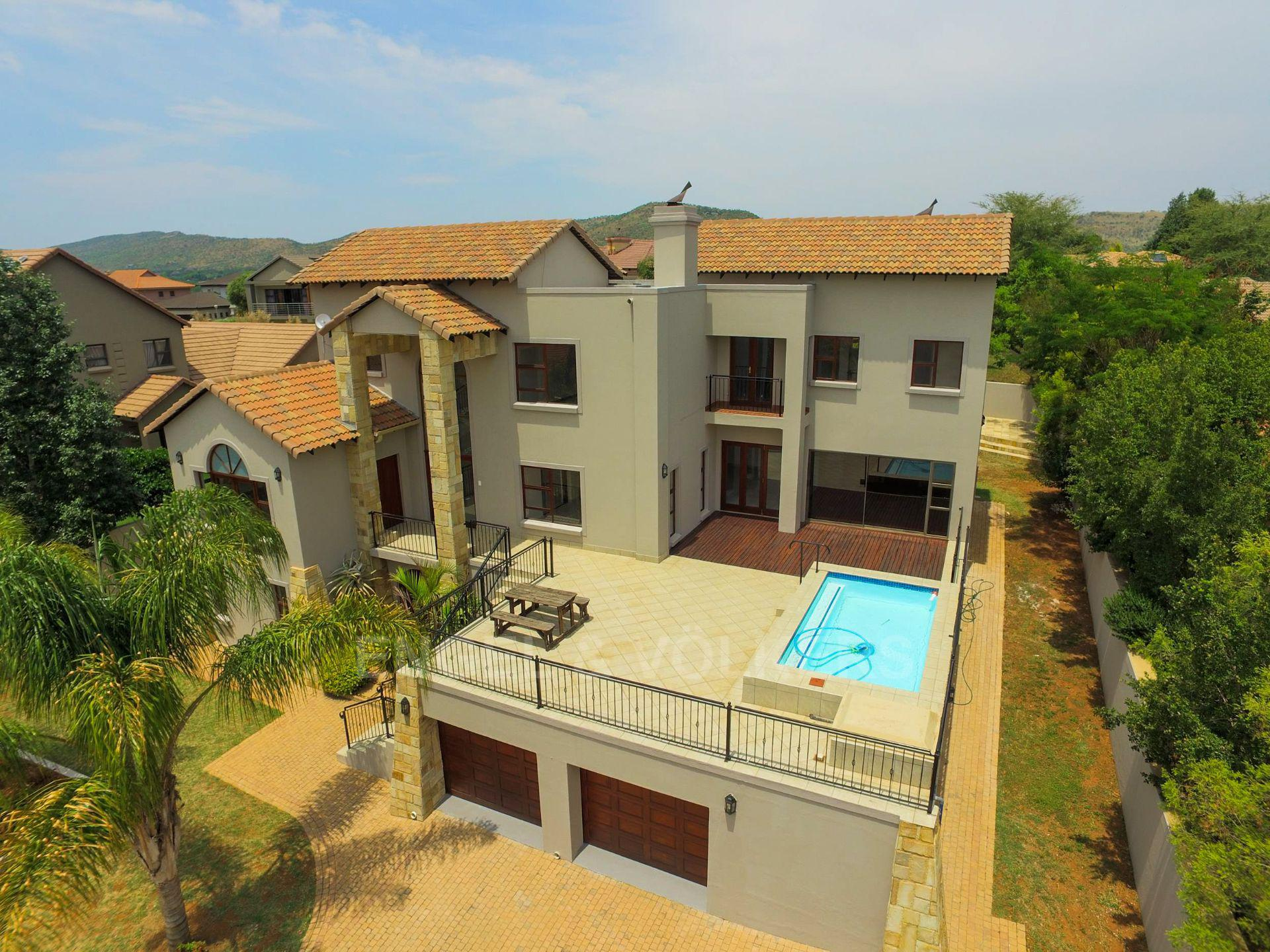 House in Xanadu Eco Park - Large home with great views