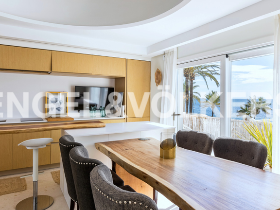 Condominium in Beach Side Golden Mile - Dining Room