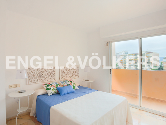 House in Cullera - Master bedroom with balcony