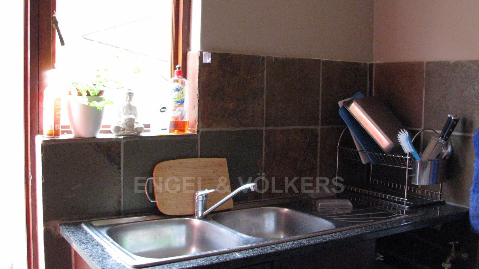 House in Melodie - Scullery with double sink units