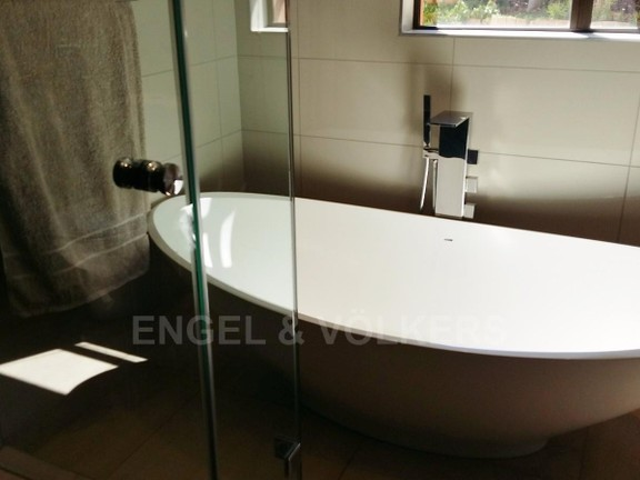 House in Birdwood Estate - Bath_room_ilSHS9r.jpg