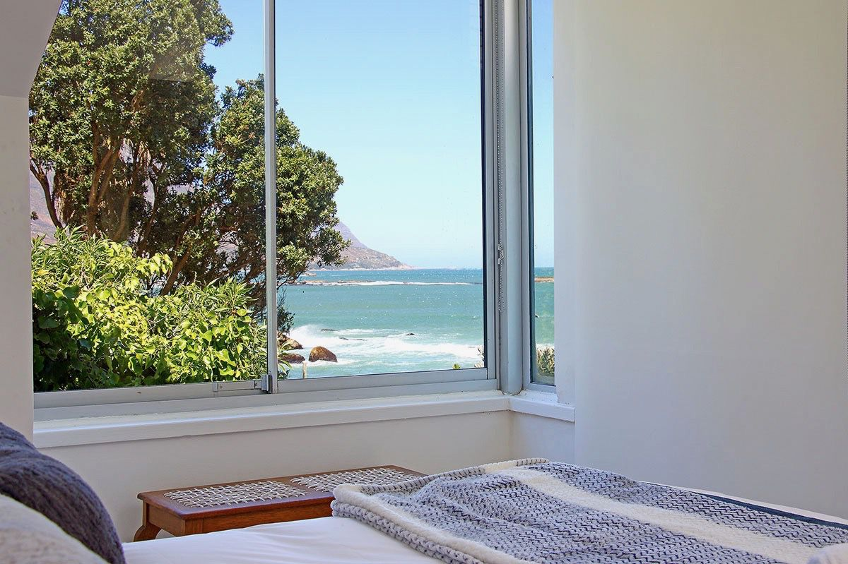House in Camps Bay - 22a.US VIEW FROM BED 1.jpg