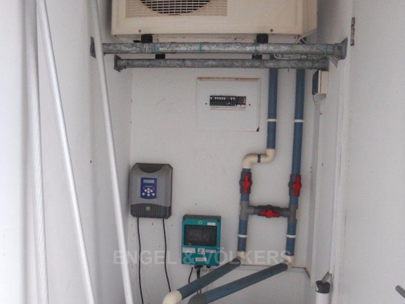 House in Gonubie - Pool pump, heater and chlorinator