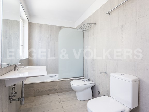 Condominium in Eixample Dreta - In suite bathroom