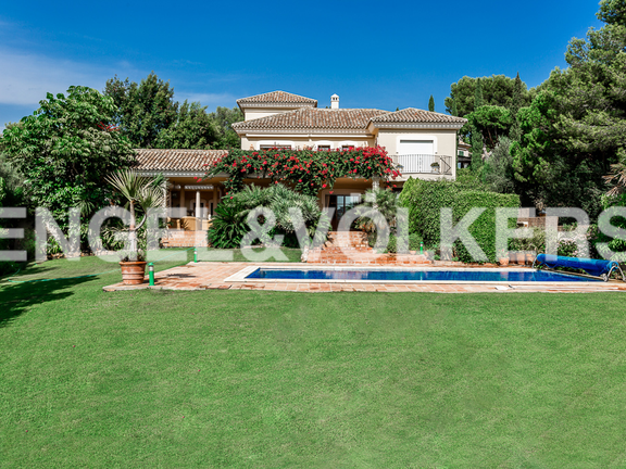Villa in Rio Real Golf