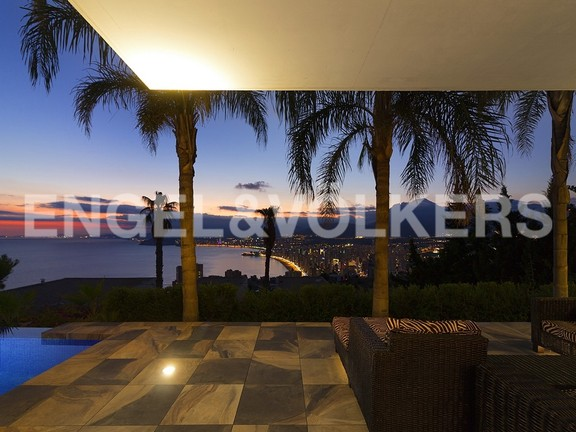 House in Benidorm Rincón de Loix - Ultra luxury villa with breathtaking views. Night views