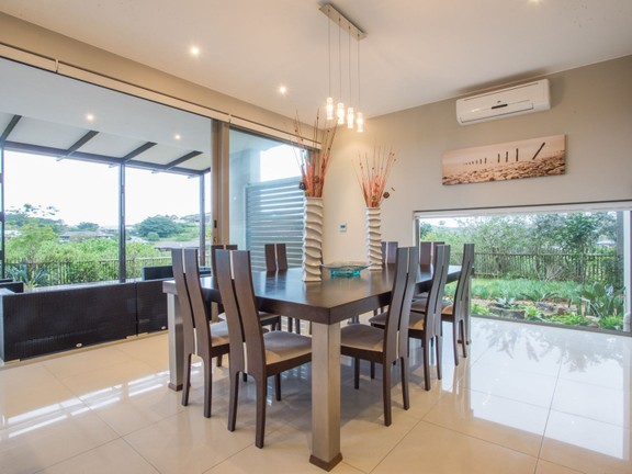 House in Simbithi Eco Estate - Dining area.jpg