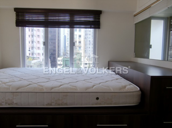 Apartment in Sheung Wan/Central/Admiralty - Tai Wing House 太榮樓