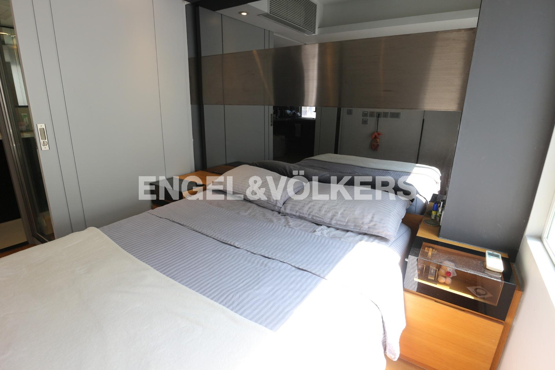 Apartment in Mid Level West - Tim Po Court 添寶閣