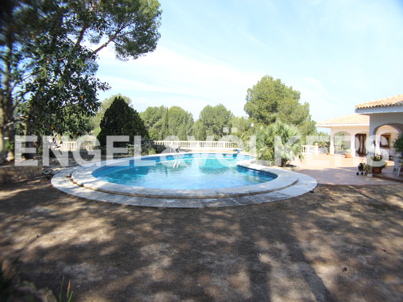 House in Benidorm Rincón de Loix - Sunny Manor House in Quiet Area. Swimming-pool
