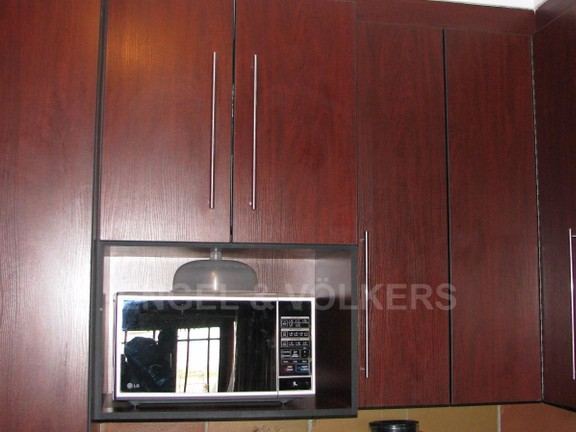 Apartment in Melodie - Melamine finishes in Cherry