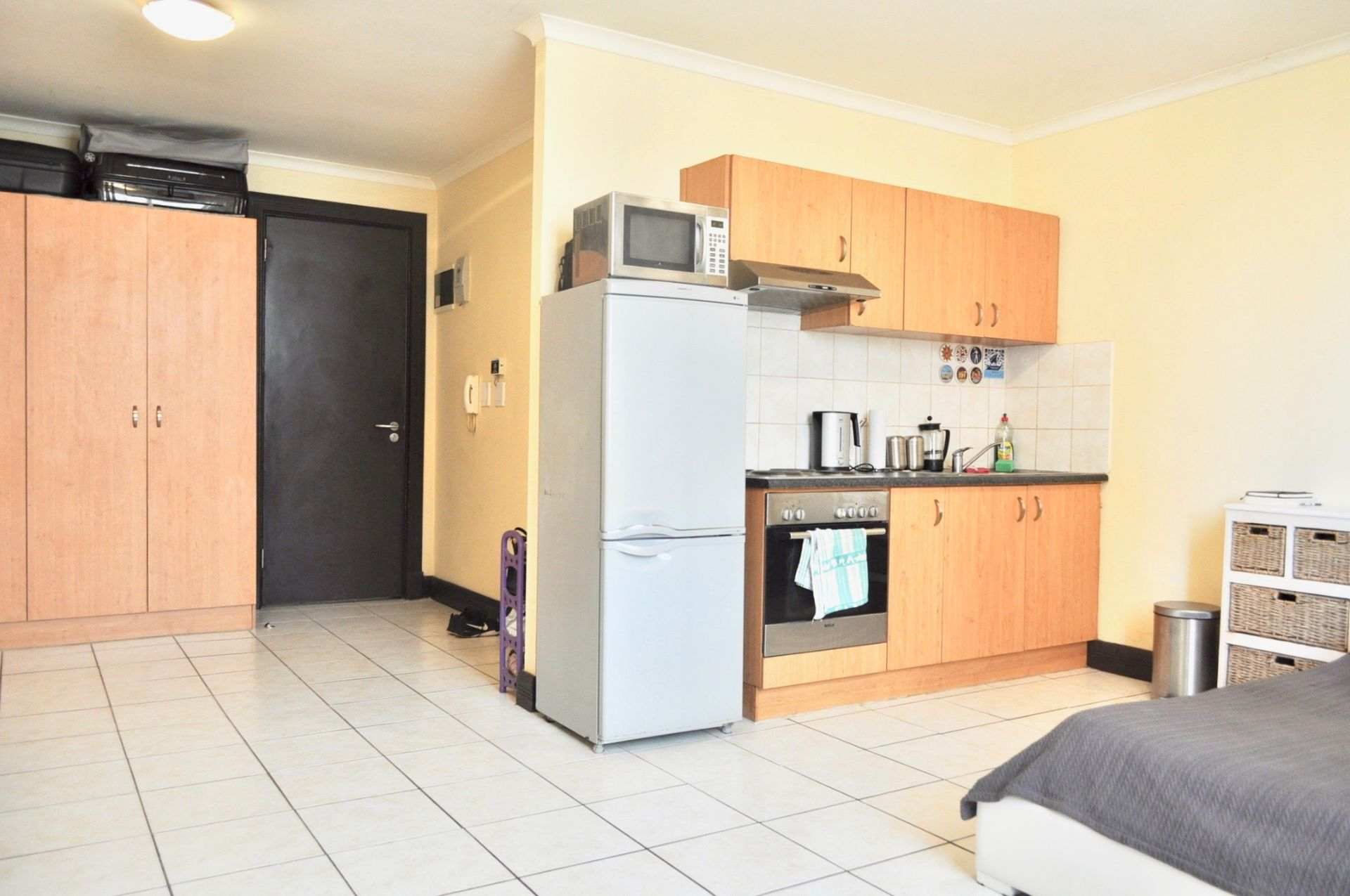 Apartment in City Centre - Entrance way/kitchen 3