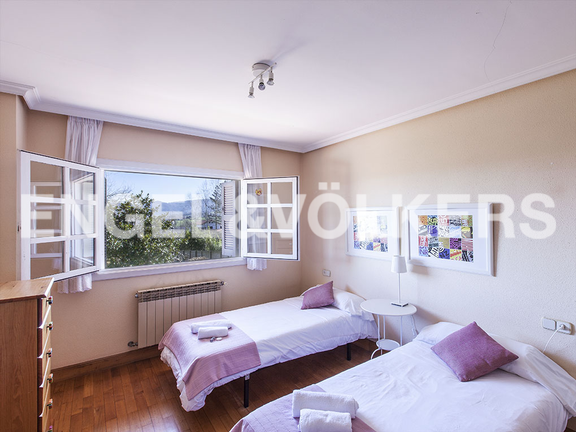 House in Jaizubia - Double bedroom in rose