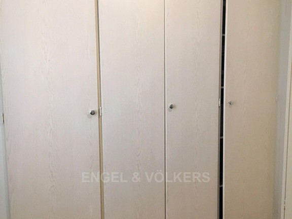 Apartment in Die Hoewes - Spacious cupboards in 2nd bedroom.JPG