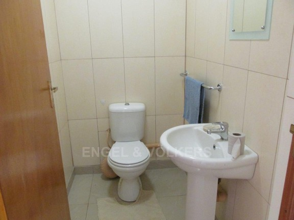 House in Ramsgate - 010 Main House Guest Toilet
