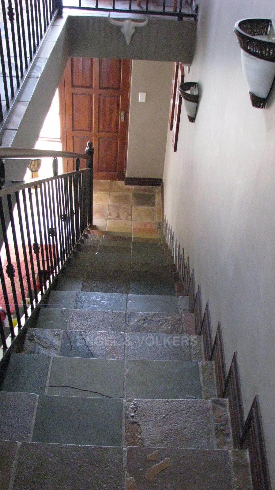 House in Melodie - Stairs to the downstairs area