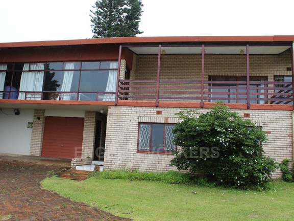 020 Front of House.JPG