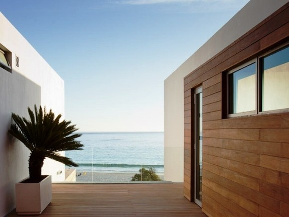 Condominium in Camps Bay - Outside Decking