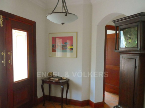 House in Waterkloof - entrance hallway