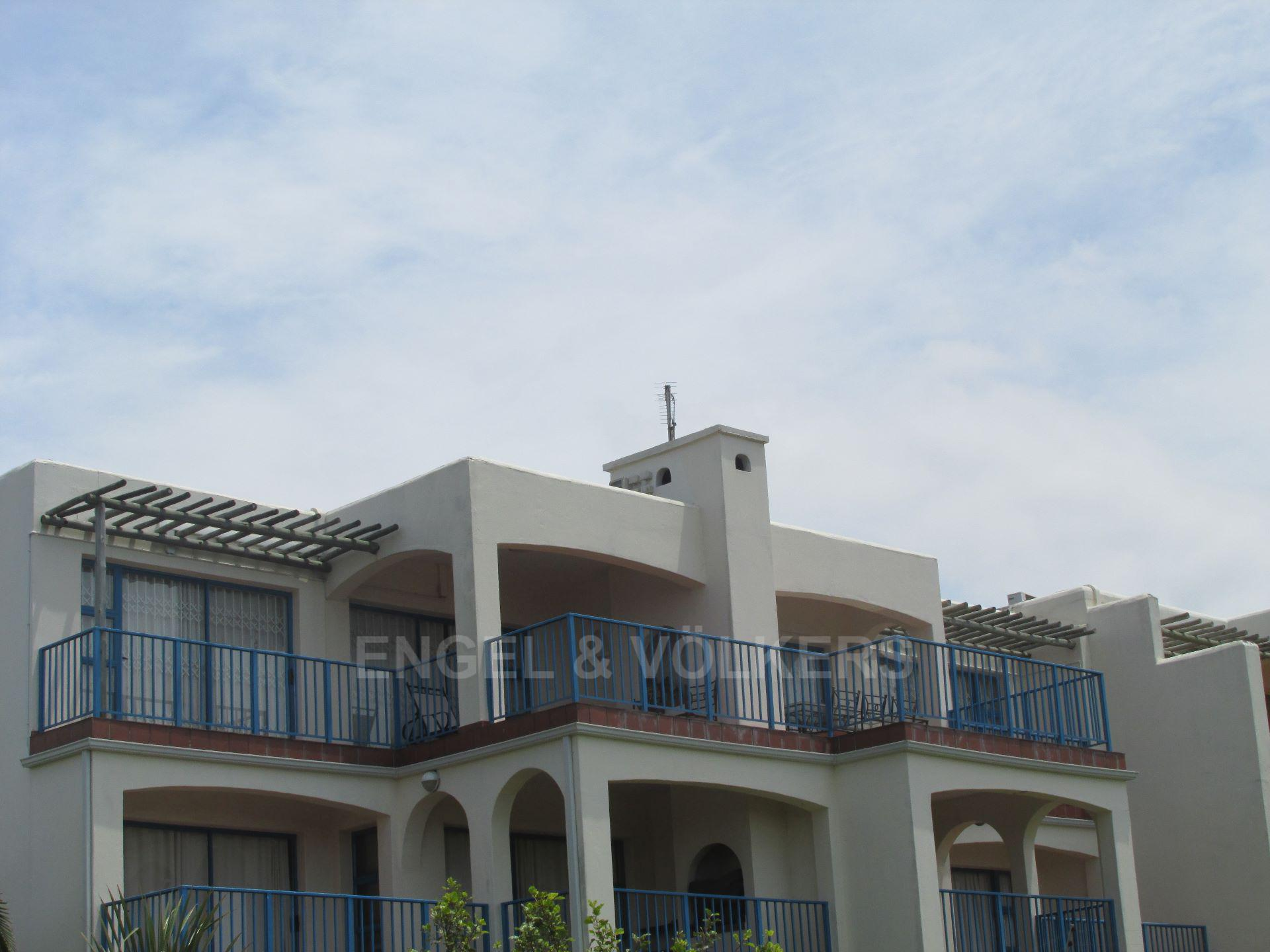 Apartment in Uvongo - 16 Building view.JPG