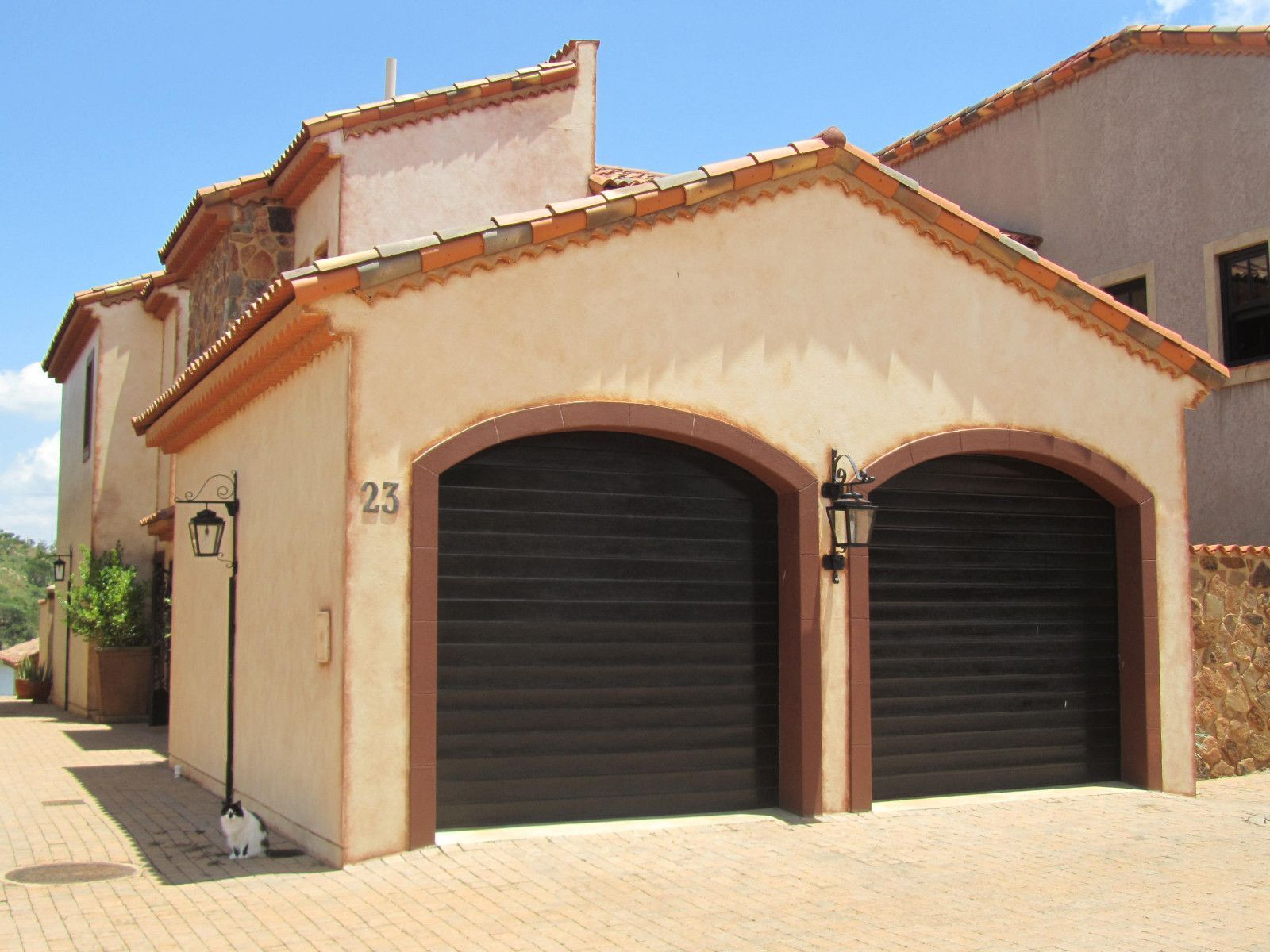 House in Port Provance - Double garage