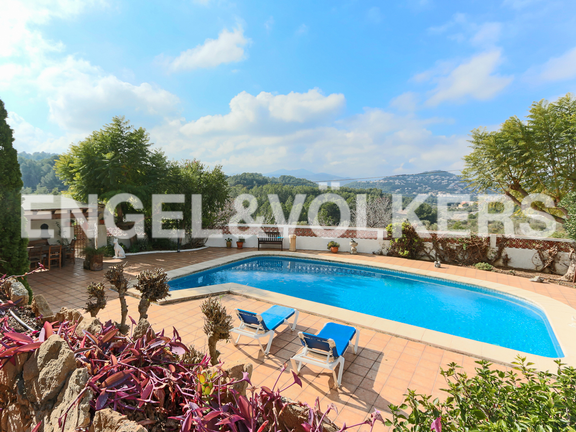 House in La Sella Golf - Views to pool and valley.