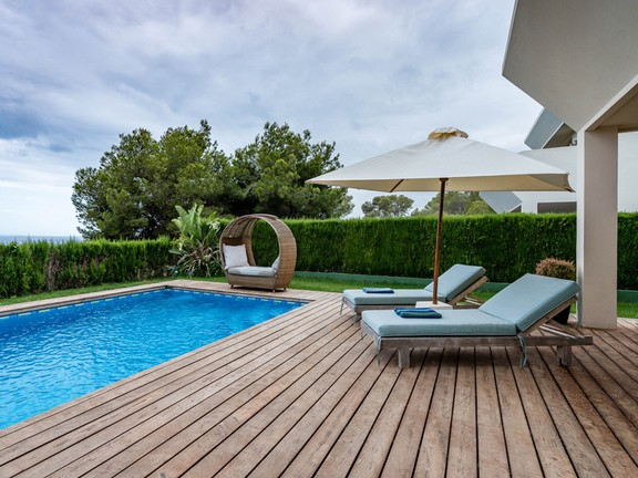 House in Ntra. Sra. de Jesús - Terrace with pool and garden