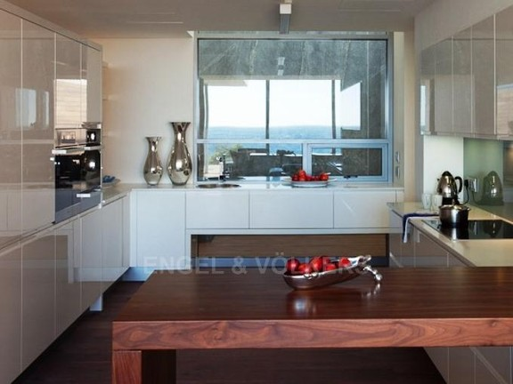 Condominium in Camps Bay - Kitchen