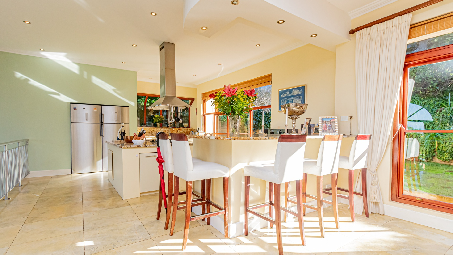 House in Hout Bay - Dining/kitchen