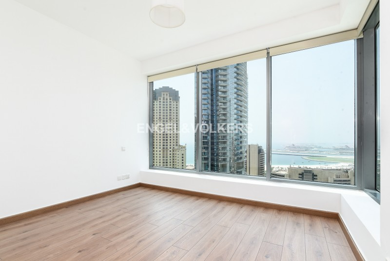 Apartment in Blakely Tower