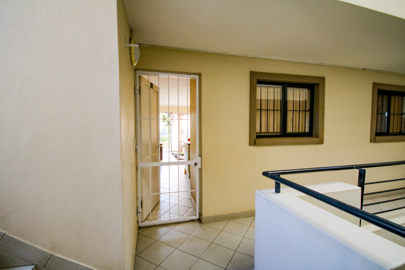Apartment in Somerset West - Entrance.jpg