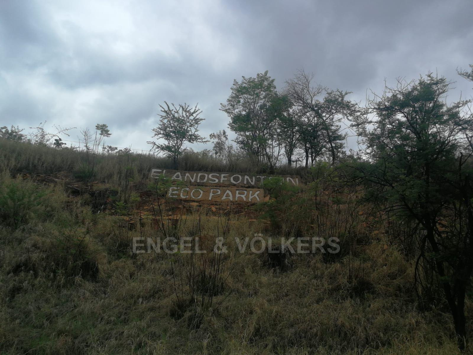 Land in Hartbeespoort Dam Area - Large smallholding