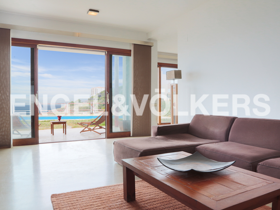House in Cullera - Living room overlooking the pool