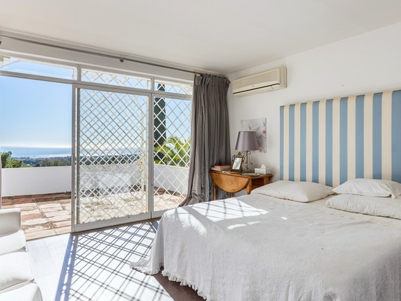 House in Marbella hill club - Guest Bedroom