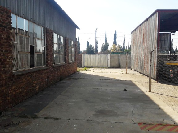 Investment / Residential investment in Potch Industria - 20190619_141607.jpg