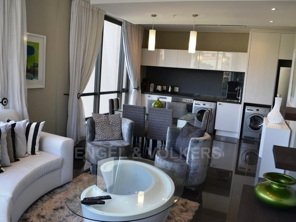 Condominium in Benmore - living_room_2I56mnO.jpg