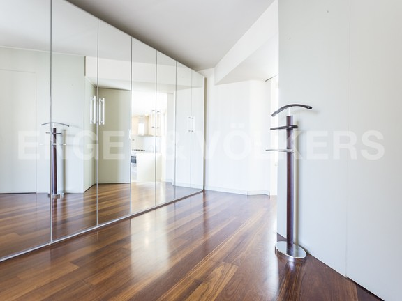 Condominium in Eixample Dreta - Big walking wardrobe