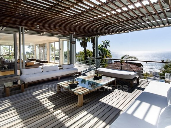 House in Bantry Bay - Wooden Deck Leading Onto Lounge