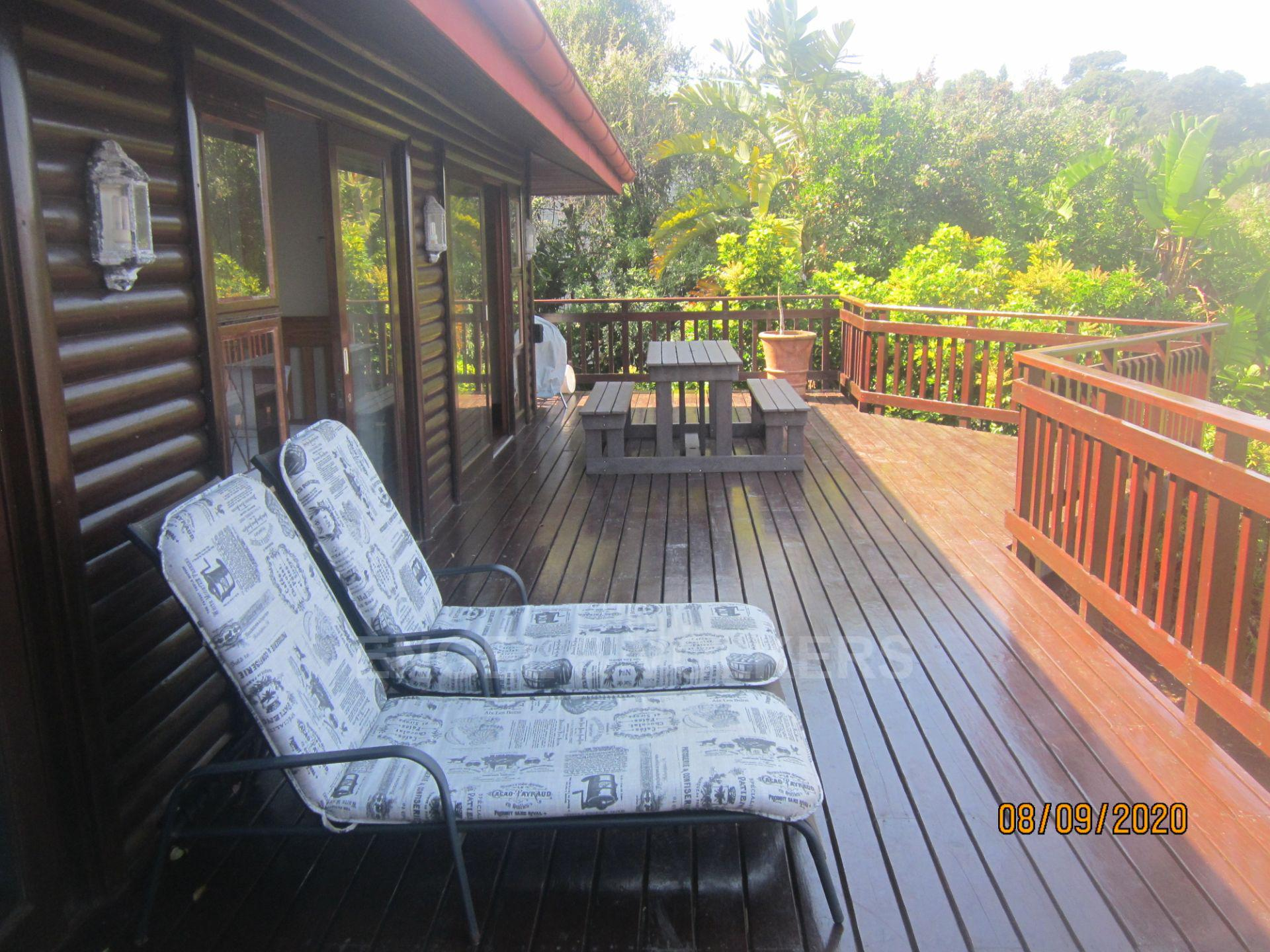 Apartment in Southbroom - Wooden Deck
