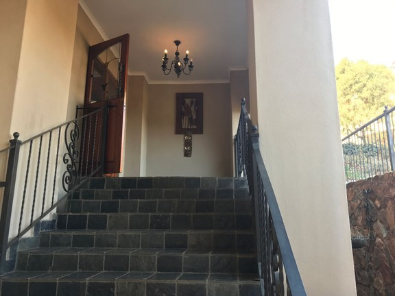 House in Ville D' Afrique - Entrance stairway.JPG
