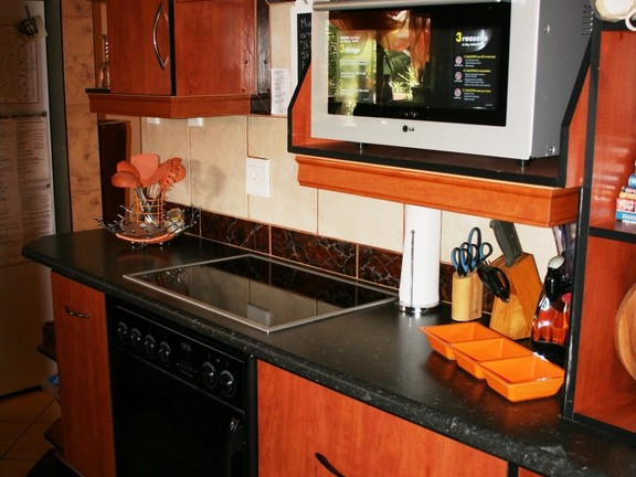 House in Phalaborwa & surrounds - Kitchen 2